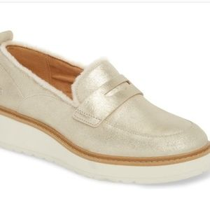 UGG Atwater Metallic Wedge Loafer Sz 8 New